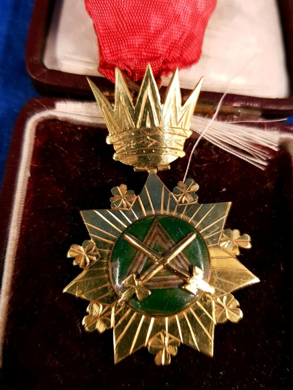 9 Carat Gold Masonic Jewel - £180