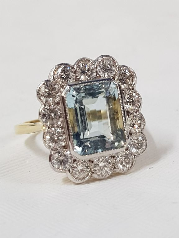 18 Carat Gold Diamond & Aqua Marine Ring - £1750