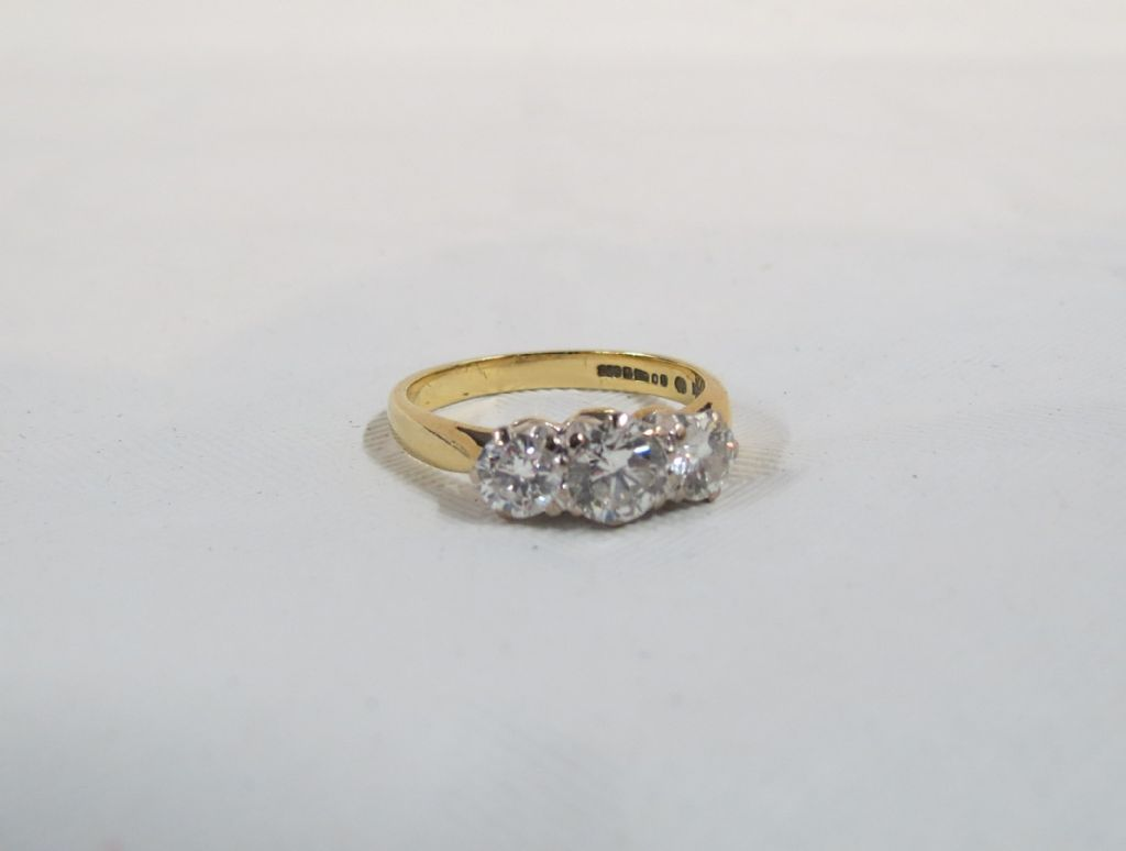 18 Carat Gold 3 Stone Diamond Ring - £1250