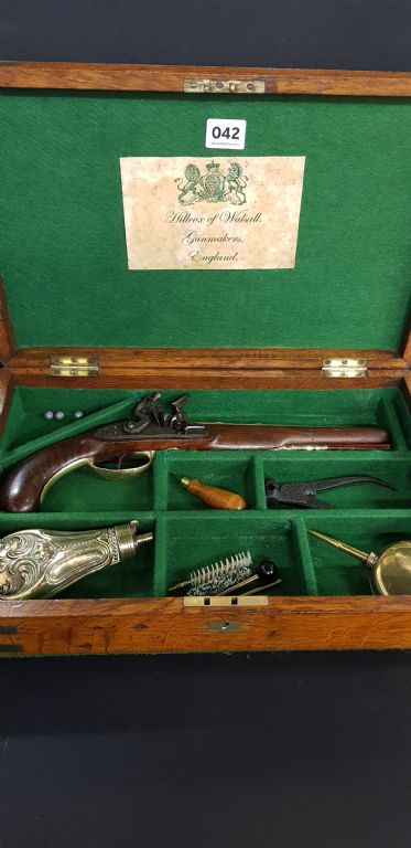 CASED BRASS BARRELL FLINTLOCK PISTOL - £950