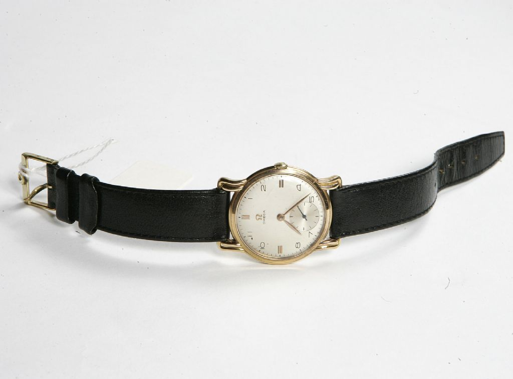 18 Carat Gold 1950's Gents Omega Wrist Watch - £550