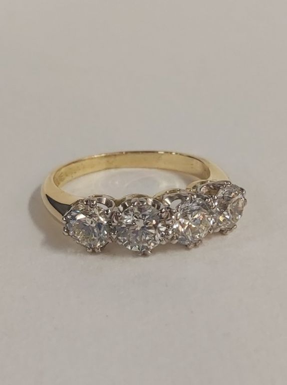18 Carat Gold 4 Stone Diamond Ring - £3,000