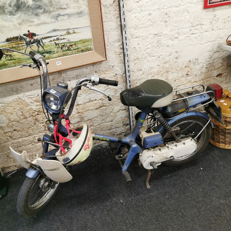 Classic Honda Express Scooter - 2 Stroke - £240