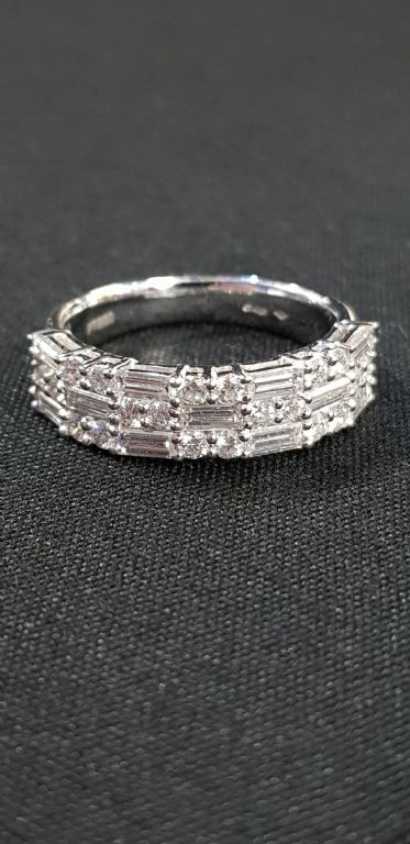 Platinum & Diamond Cluster Ring - £520 + Fees